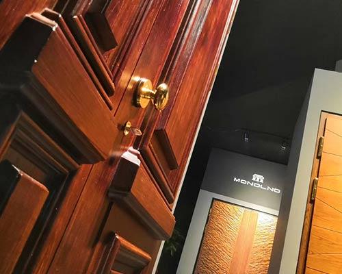 保持铜门美貌的四大秘诀